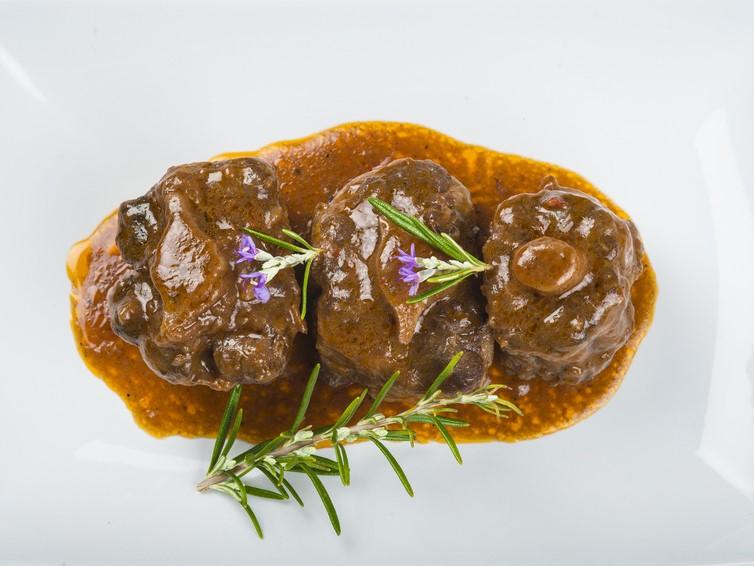 Ochsenschlepp in Rotweinsauce